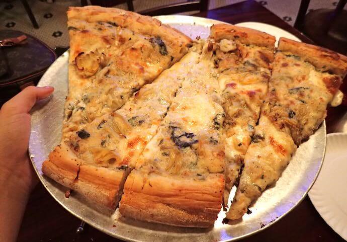 アーティチョークのピザ